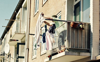 Mieszkanie z widokiem na sąsiada